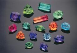 loose_colored_gemstones